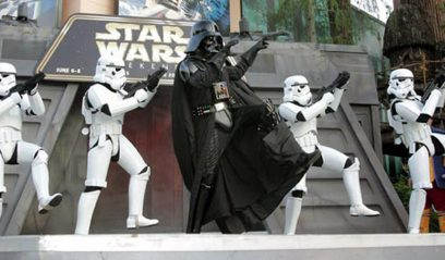 """Dal WALL STREET JOURNAL: """"The Last Jedi' Loses Sales Momentum, Raising Concerns for Disney"""""""